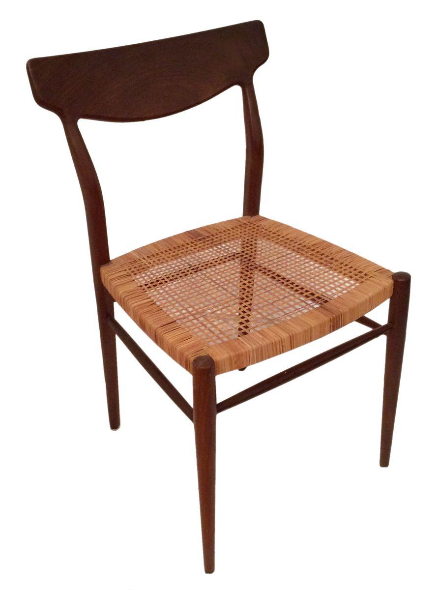 d nischer nussholz stuhl 1960er bei pamono kaufen. Black Bedroom Furniture Sets. Home Design Ideas