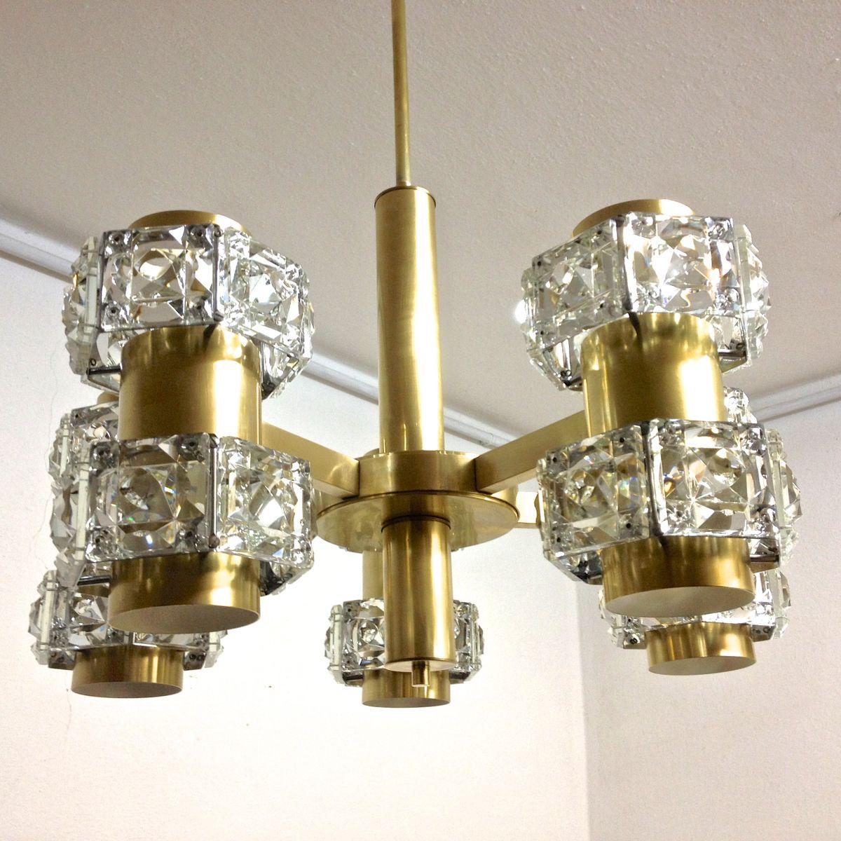 kristall und messing kronleuchter mit multiplen leuchten. Black Bedroom Furniture Sets. Home Design Ideas