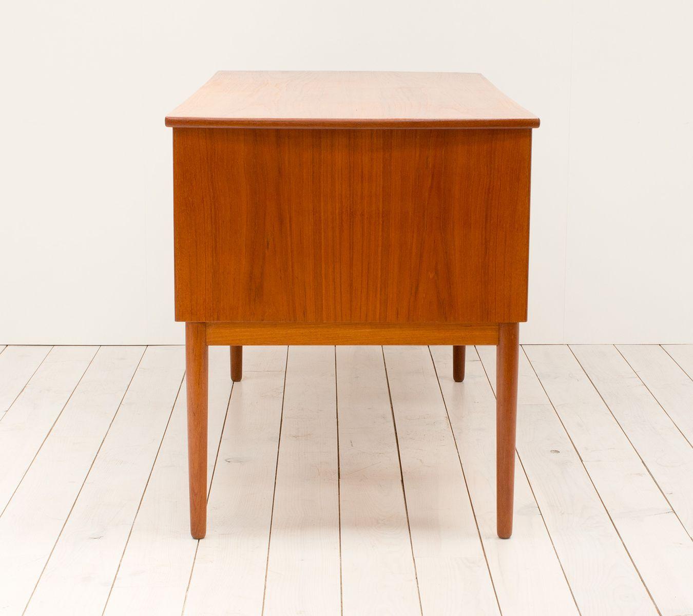 d nischer teak schreibtisch bei pamono kaufen. Black Bedroom Furniture Sets. Home Design Ideas