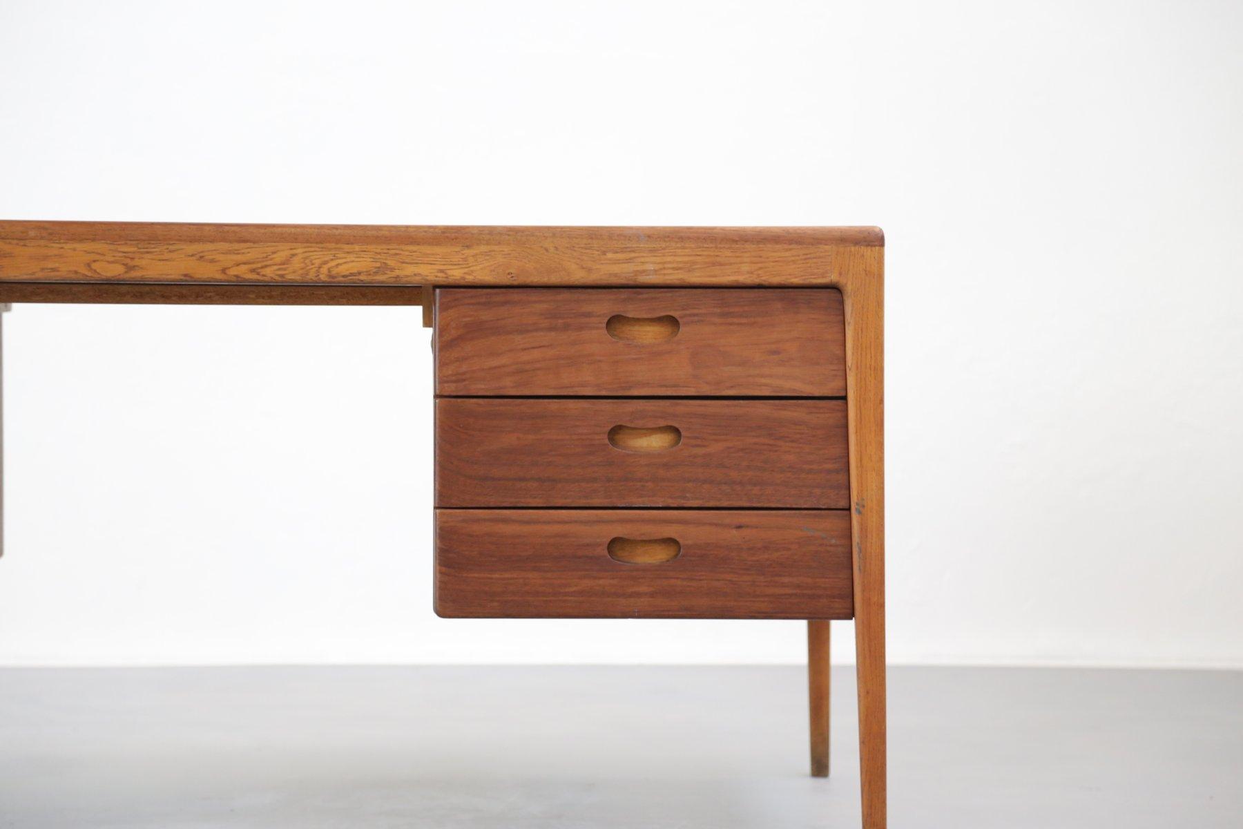 gro er d nischer teak schreibtisch 1950er bei pamono kaufen. Black Bedroom Furniture Sets. Home Design Ideas