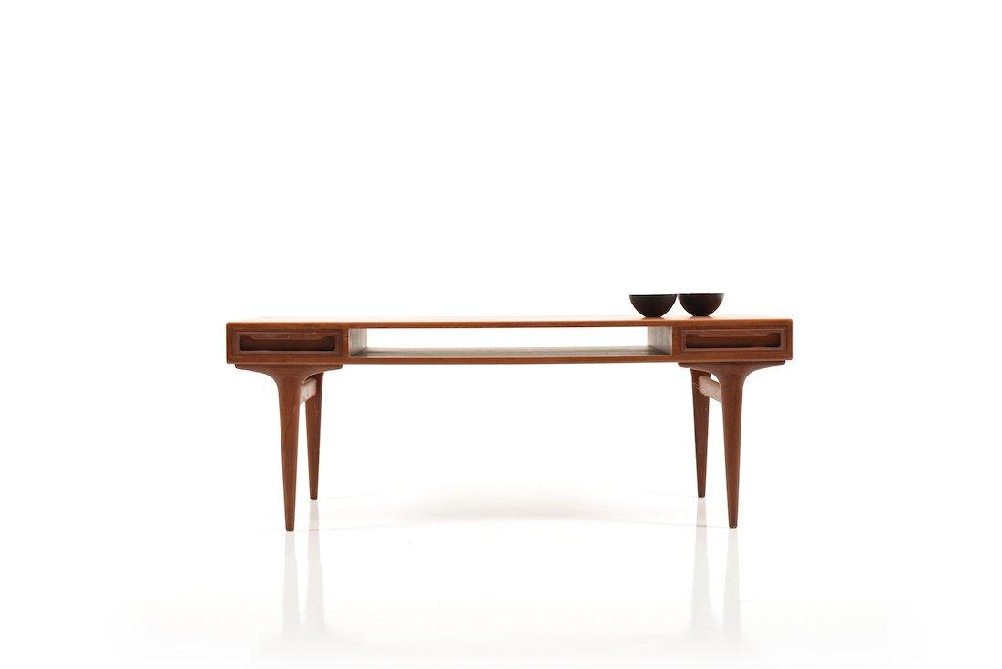 Mid-Century Danish Coffee Table in Teak - Mid-Century Danish Coffee Table In Teak For Sale At Pamono