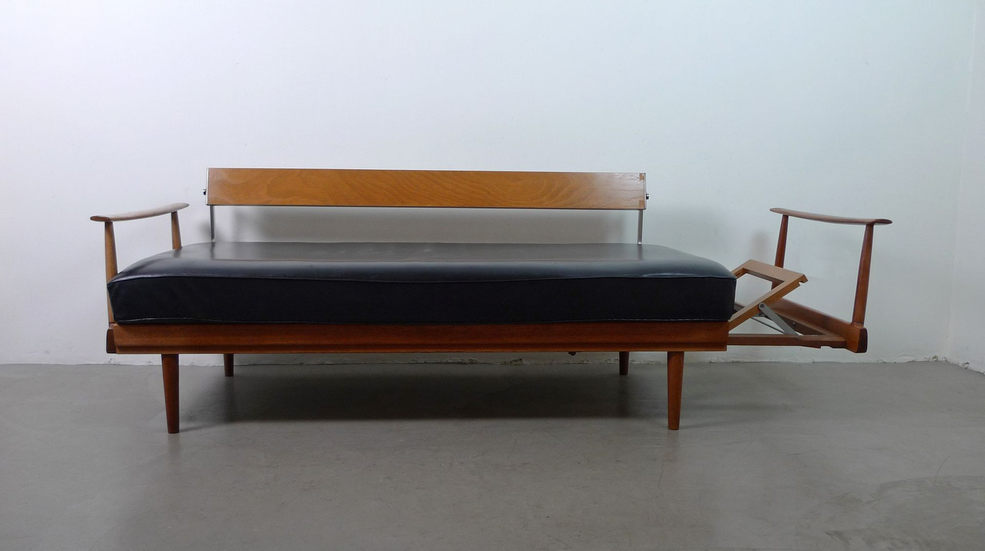German teak black leather sofa bed from walter knoll for Sofa bed 200cm wide