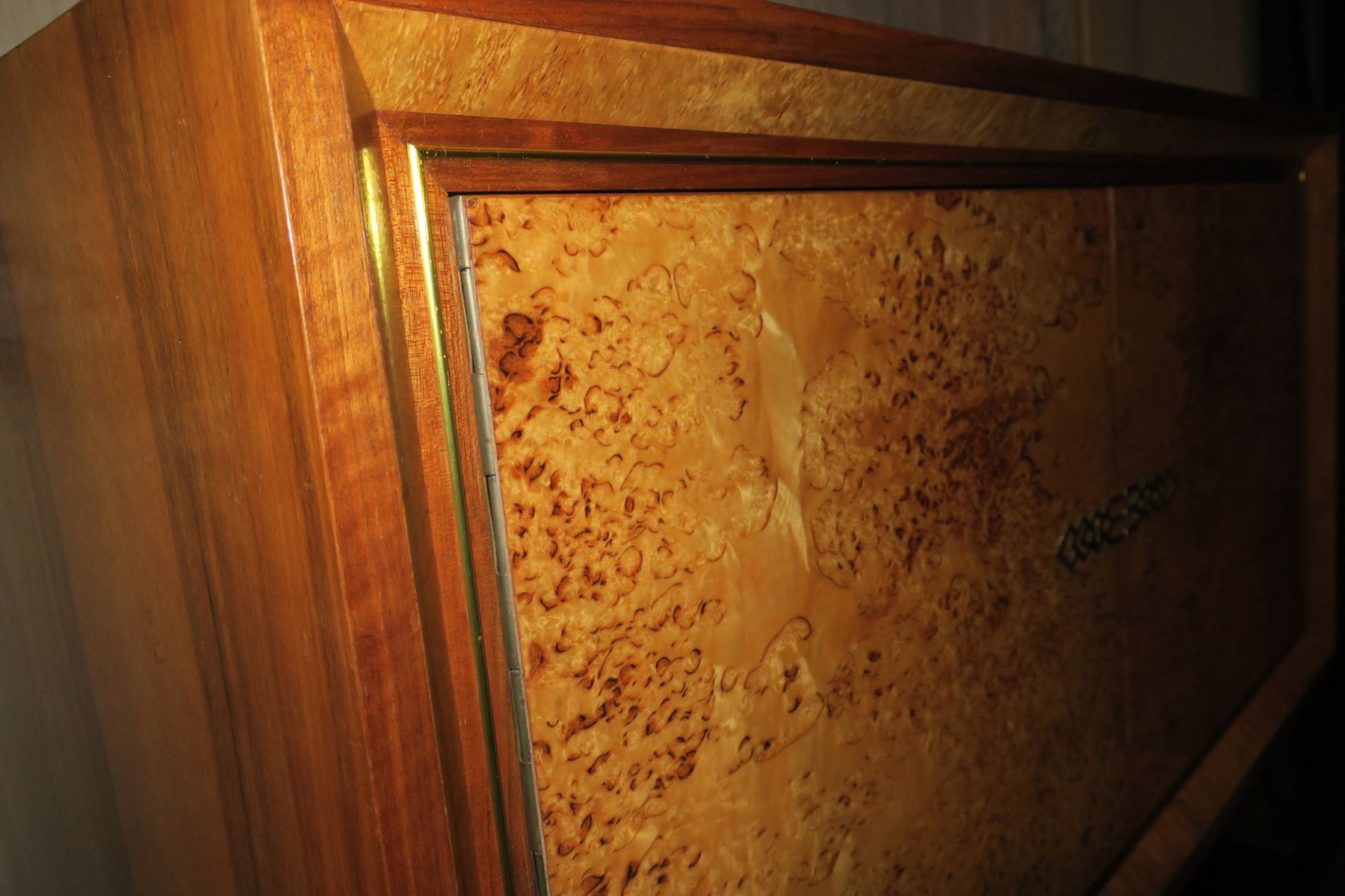 Art deco bird 39 s eye maple cabinet 1920s for sale at pamono for Birds eye maple kitchen cabinets