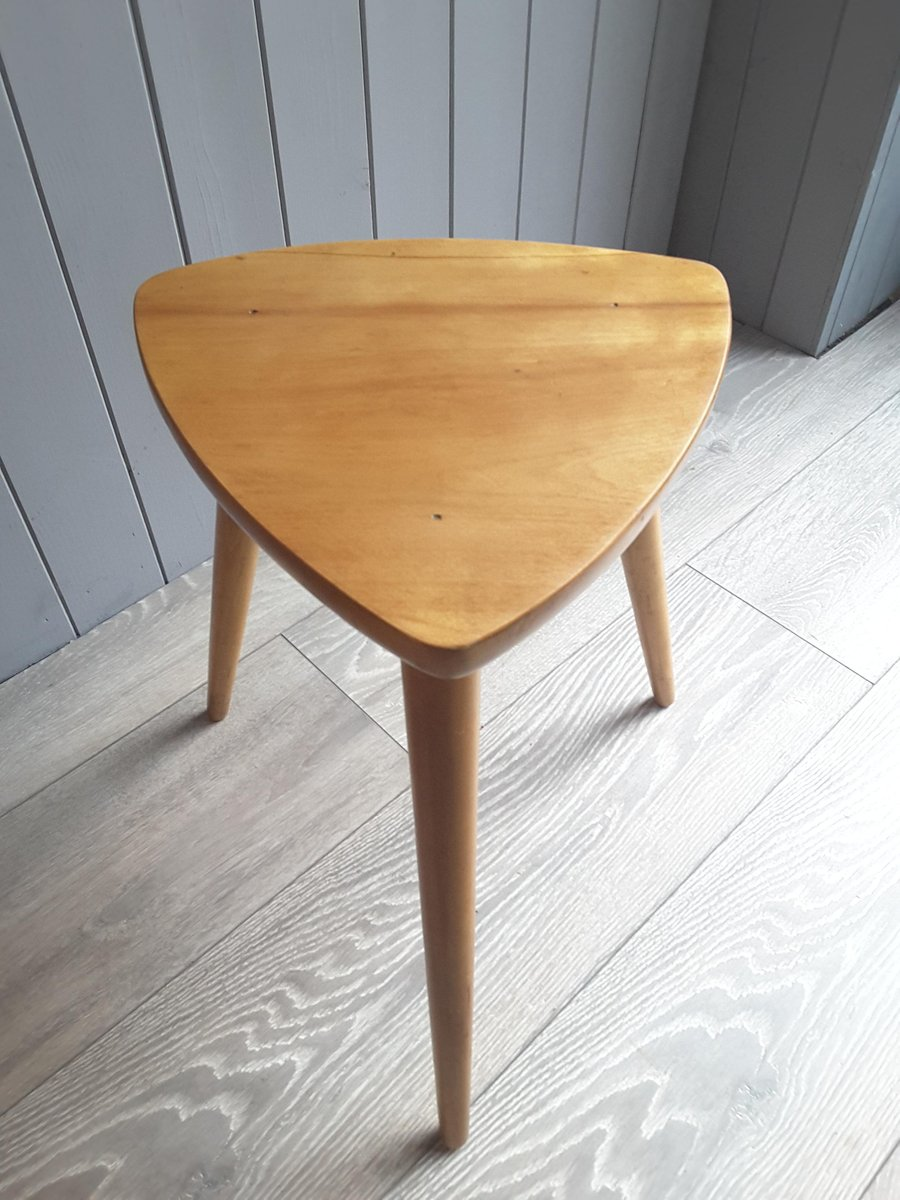 Small Side Table by Robin Day for Hille, 27s for sale at Pamono | title