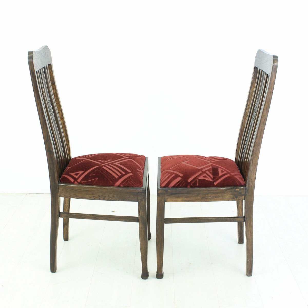 Vintage oak dining chairs 1920s set of 2 for sale at pamono for Oak dining chairs