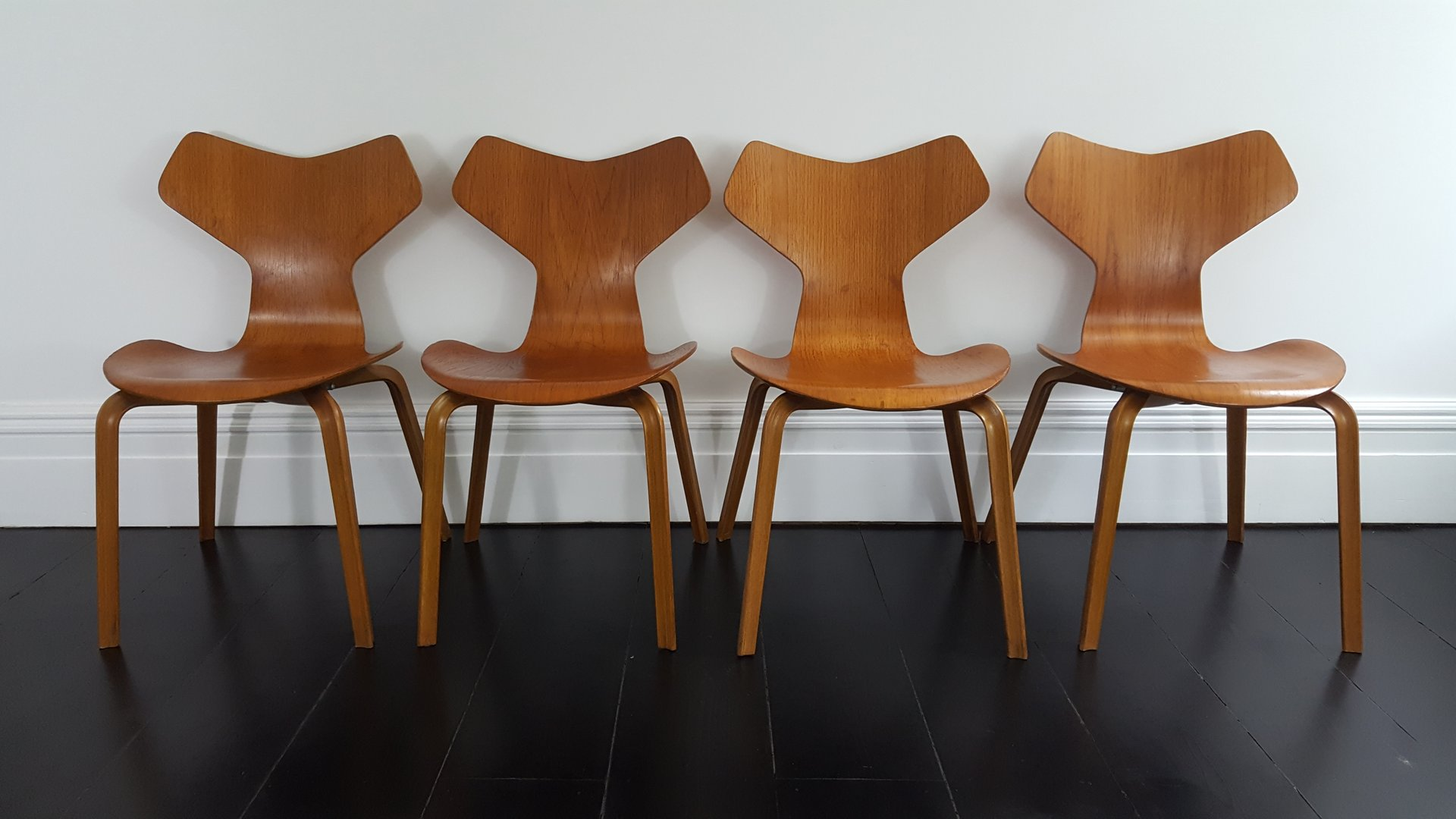 modell 3130 grand prix st hle von arne jacobsen f r fritz. Black Bedroom Furniture Sets. Home Design Ideas