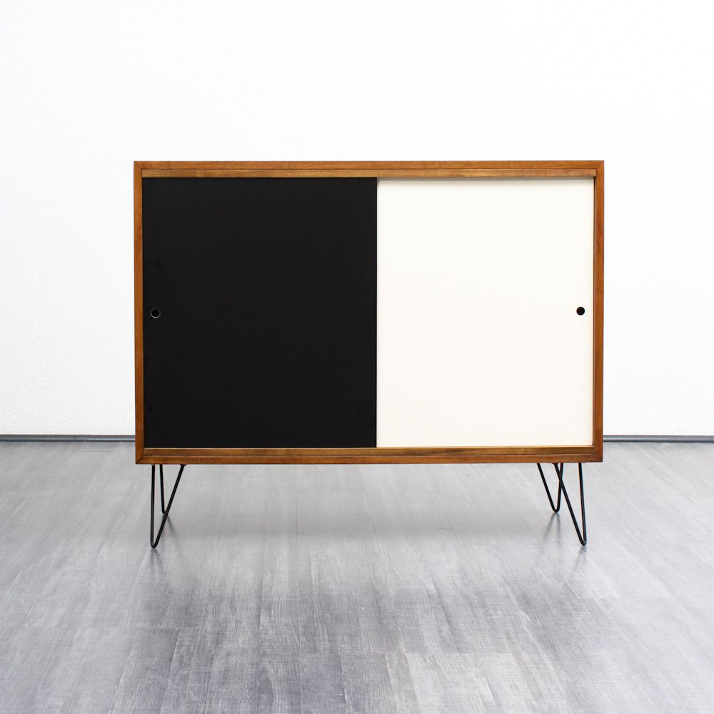 walnuss highboard mit formica schiebet ren 1960er bei pamono kaufen. Black Bedroom Furniture Sets. Home Design Ideas