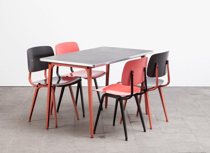 revolt st hle reform tisch esszimmer set von friso. Black Bedroom Furniture Sets. Home Design Ideas