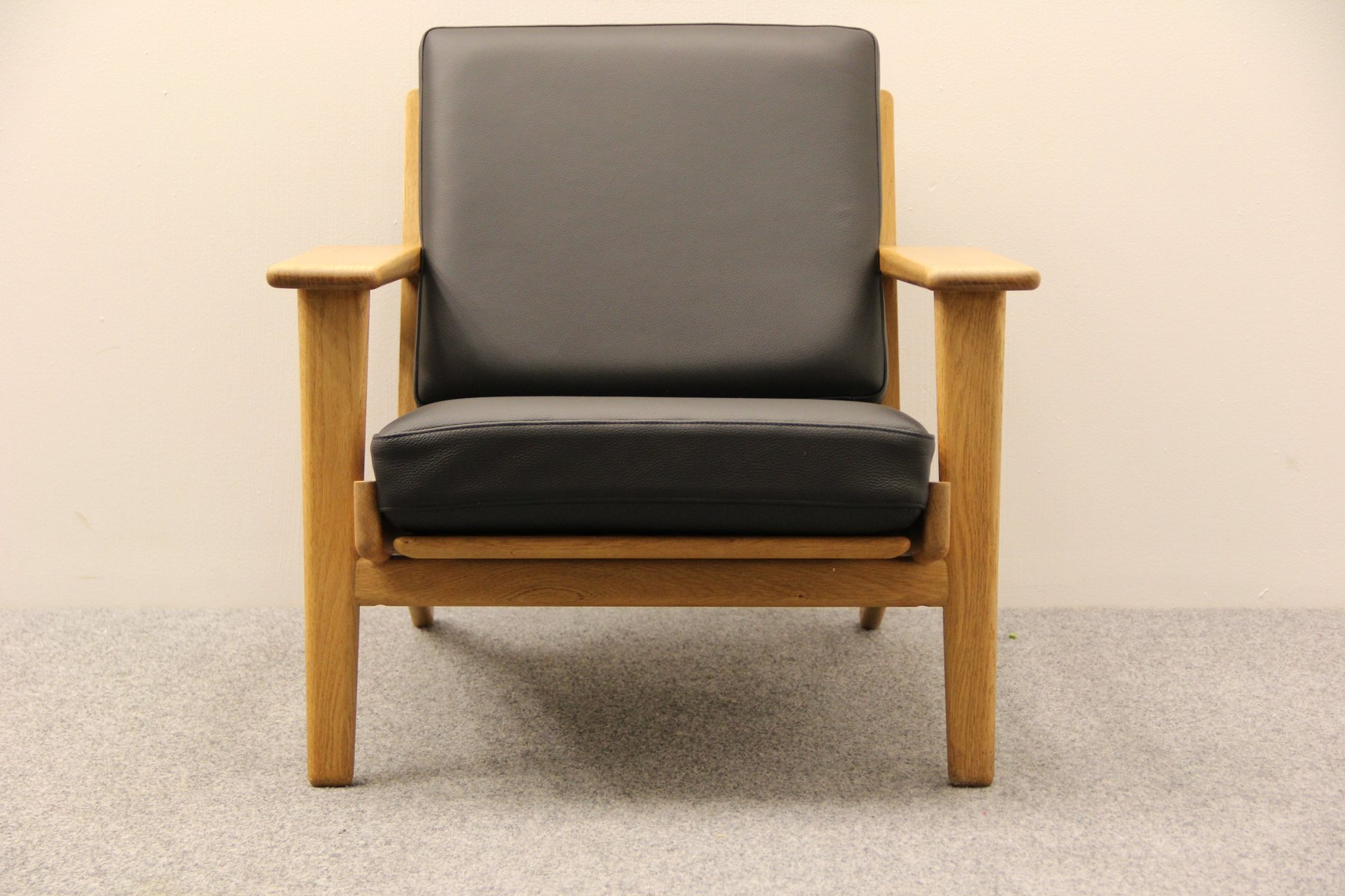 Black Leather GE 290 Easy Chair by Hans J Wegner for Getama for