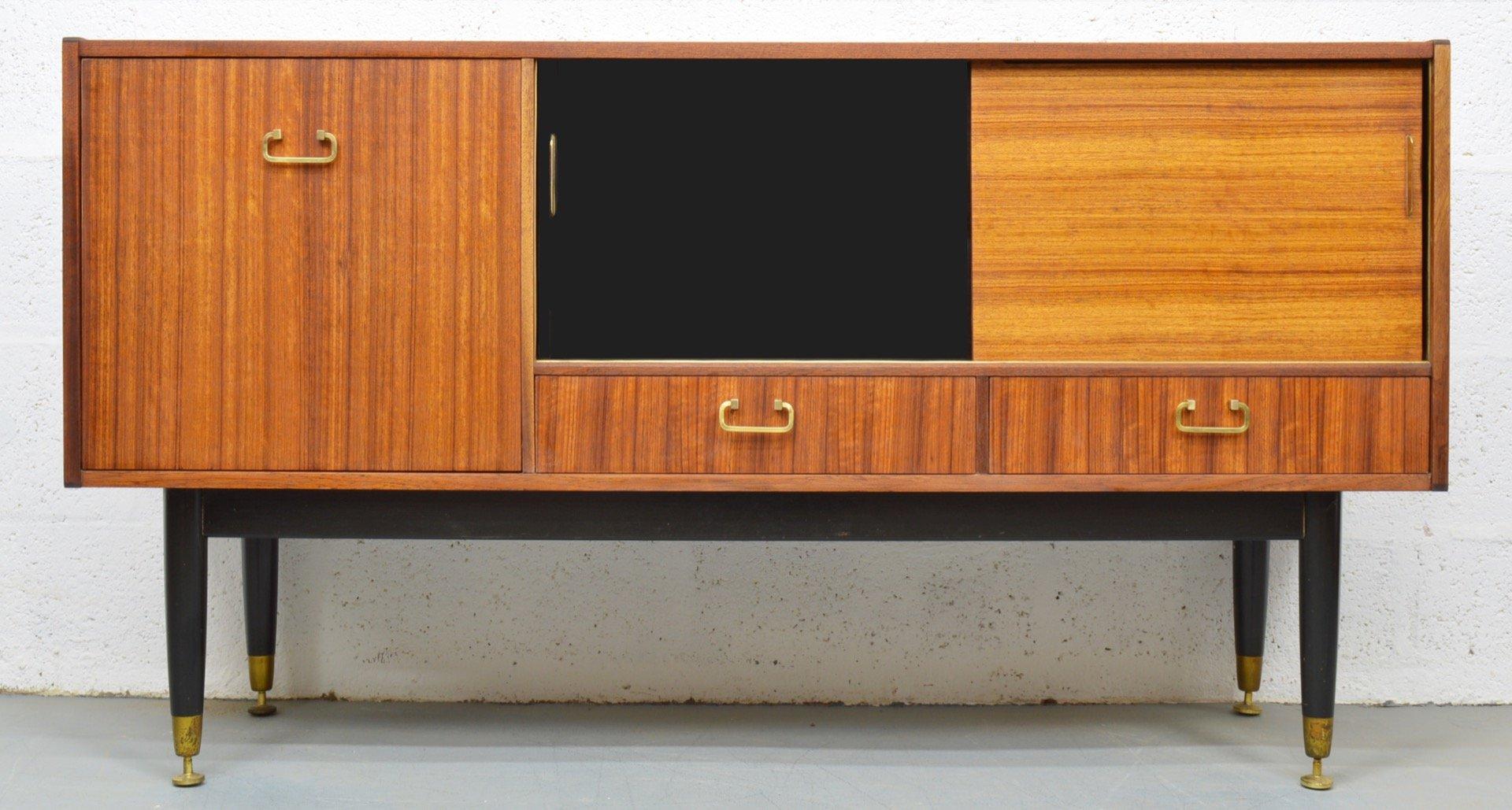 mid century teak tola sideboard mit schiebet ren von g. Black Bedroom Furniture Sets. Home Design Ideas