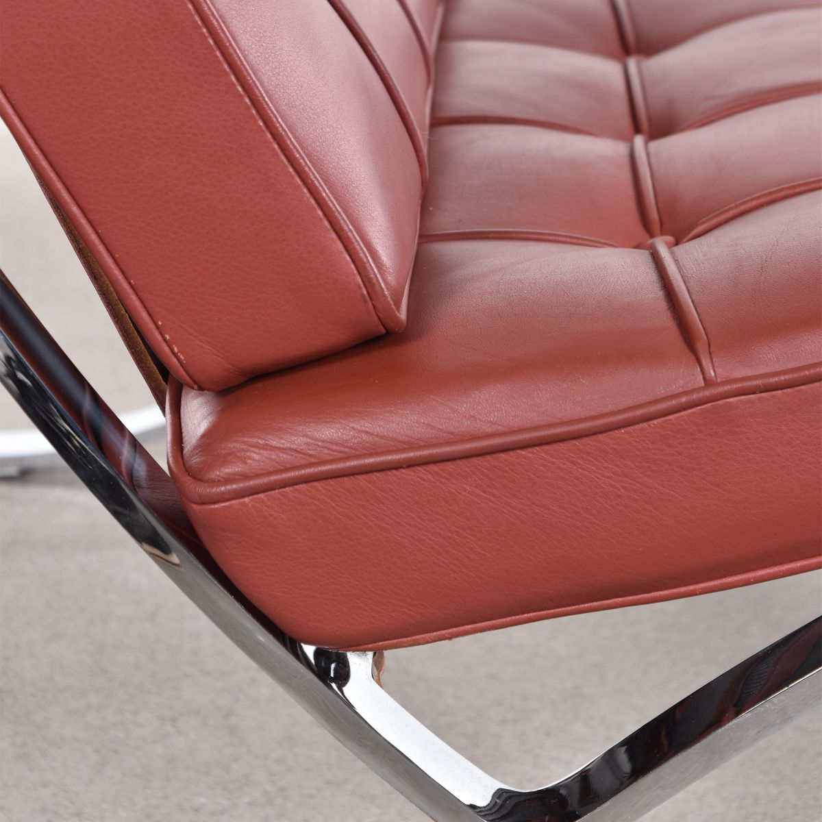 Barcelona chair brown - Price Per Piece
