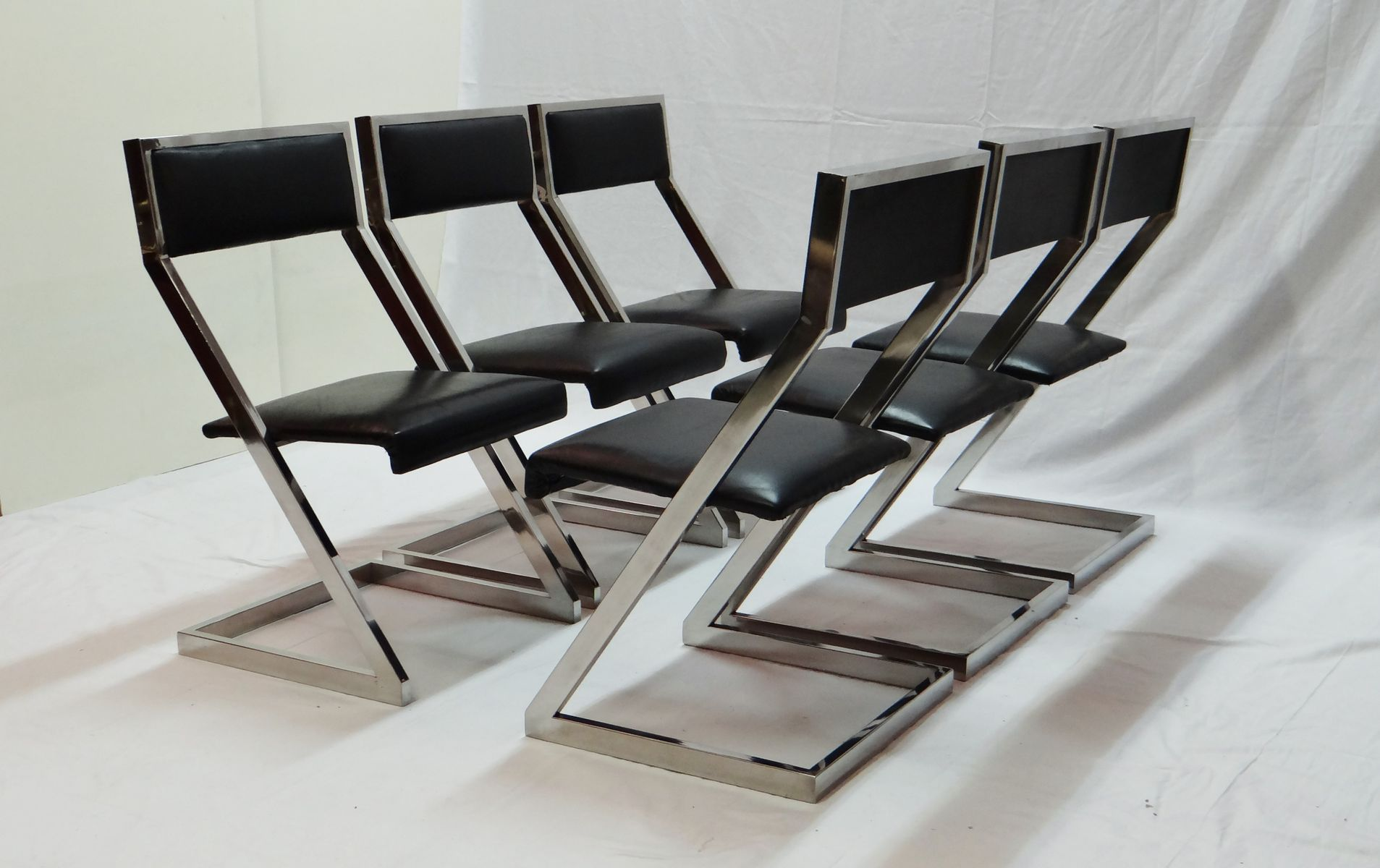 Chrome plated z shaped dining chairs 1970s set of 6 for for Dining chair shapes