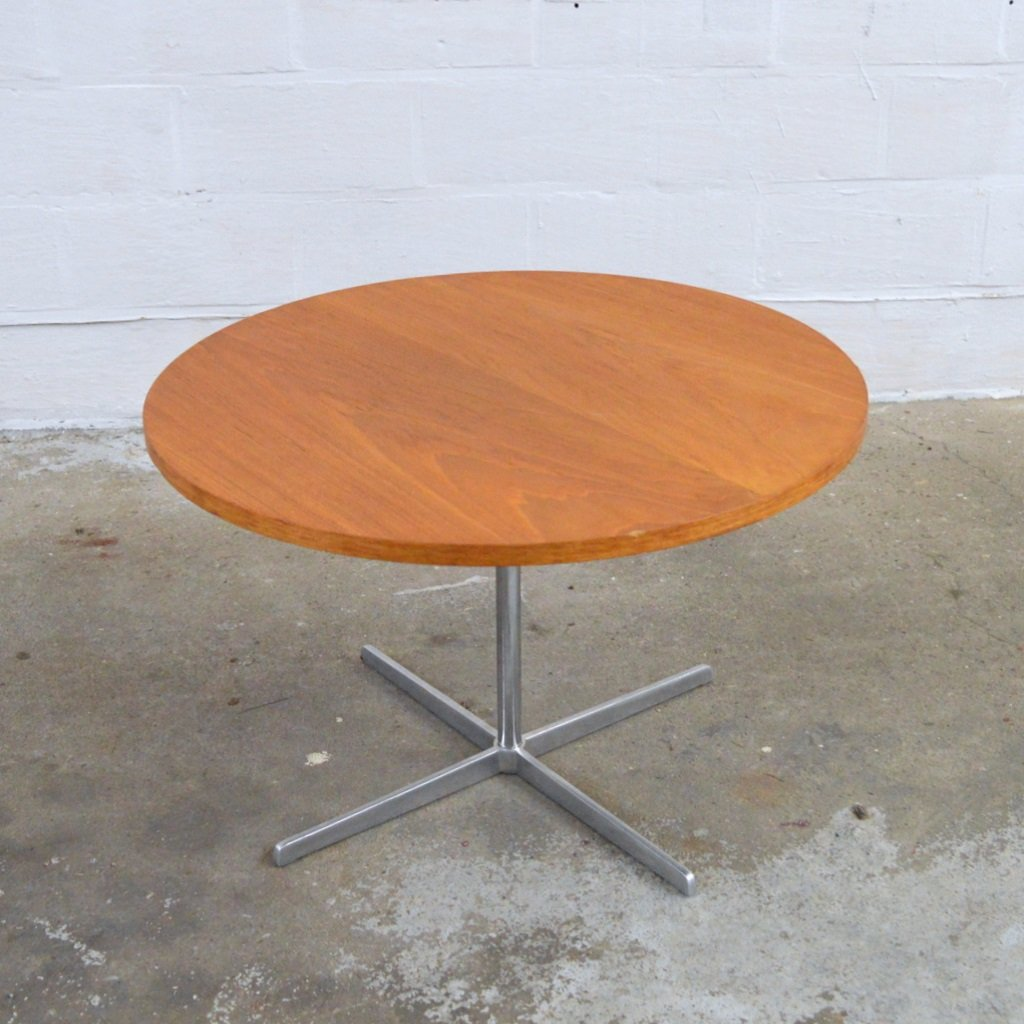 Round Vintage Coffee Table For Sale At Pamono