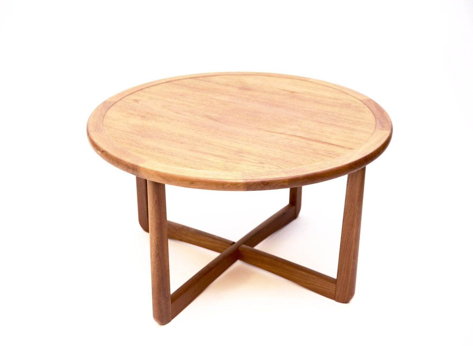 Round Danish Coffee Table in Solid Teak 1950s for sale at Pamono