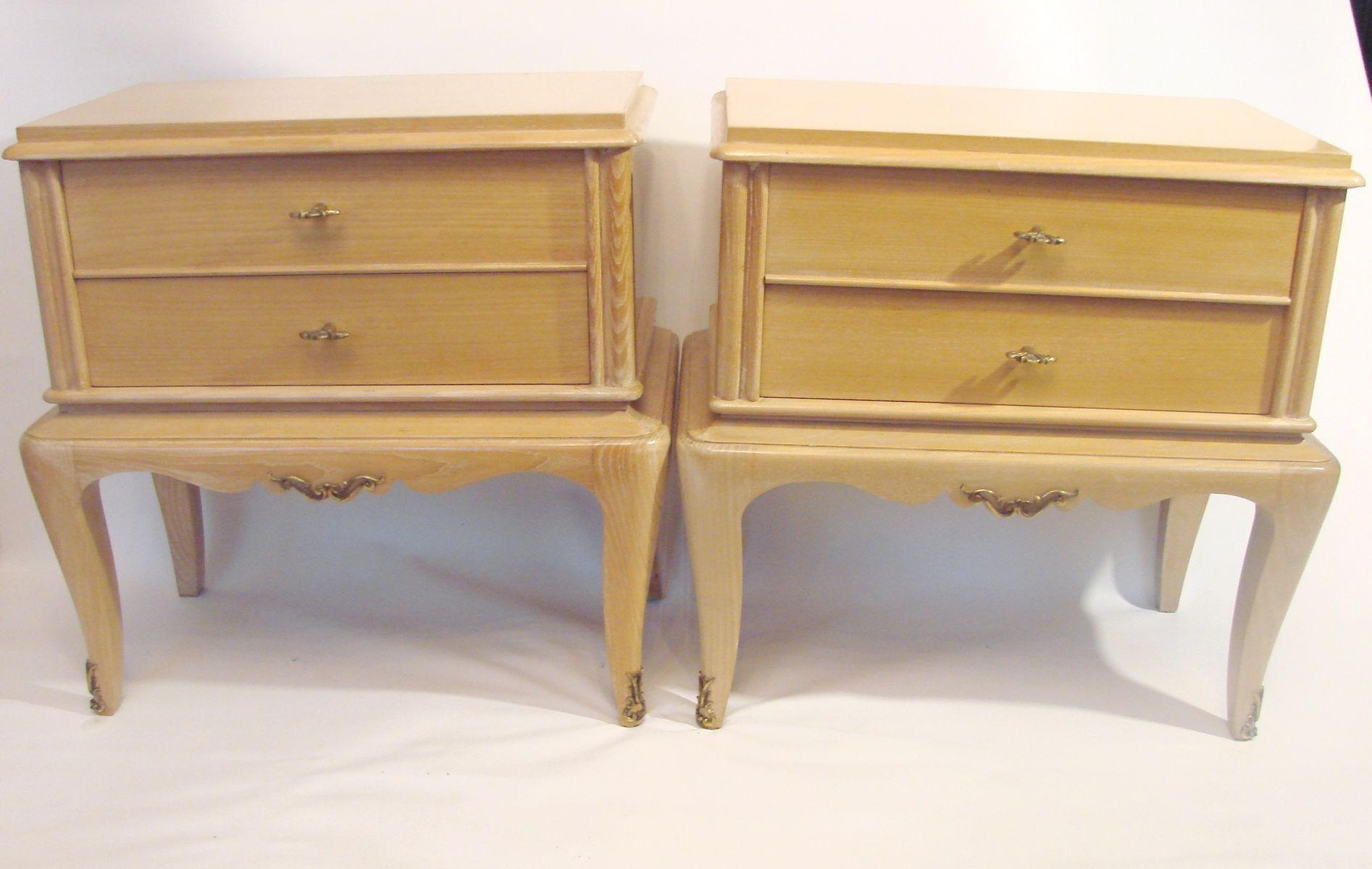 Meubles de chevet en bois massif 1960s set de 2 en vente - Meuble de chevet ...