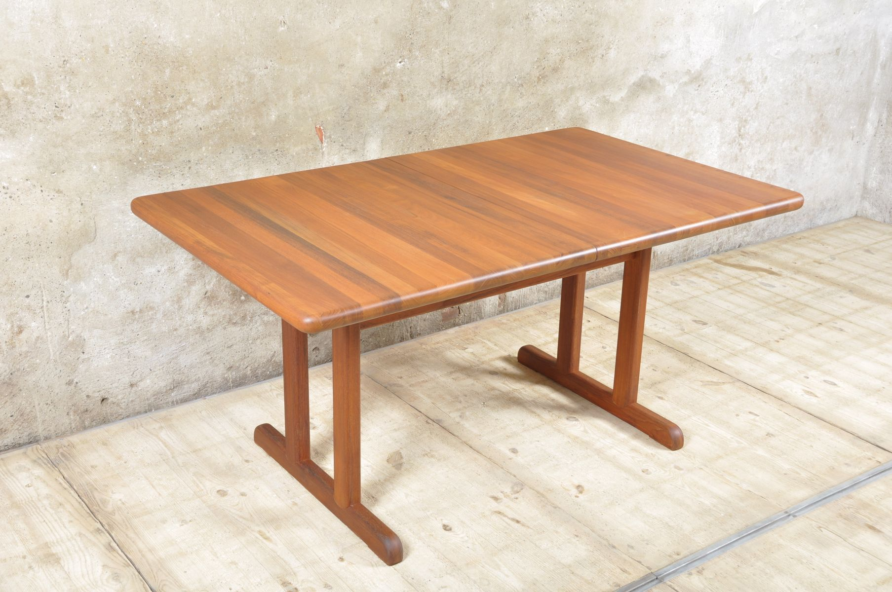 Mid Century Extendable Danish Dining Table for sale at Pamono