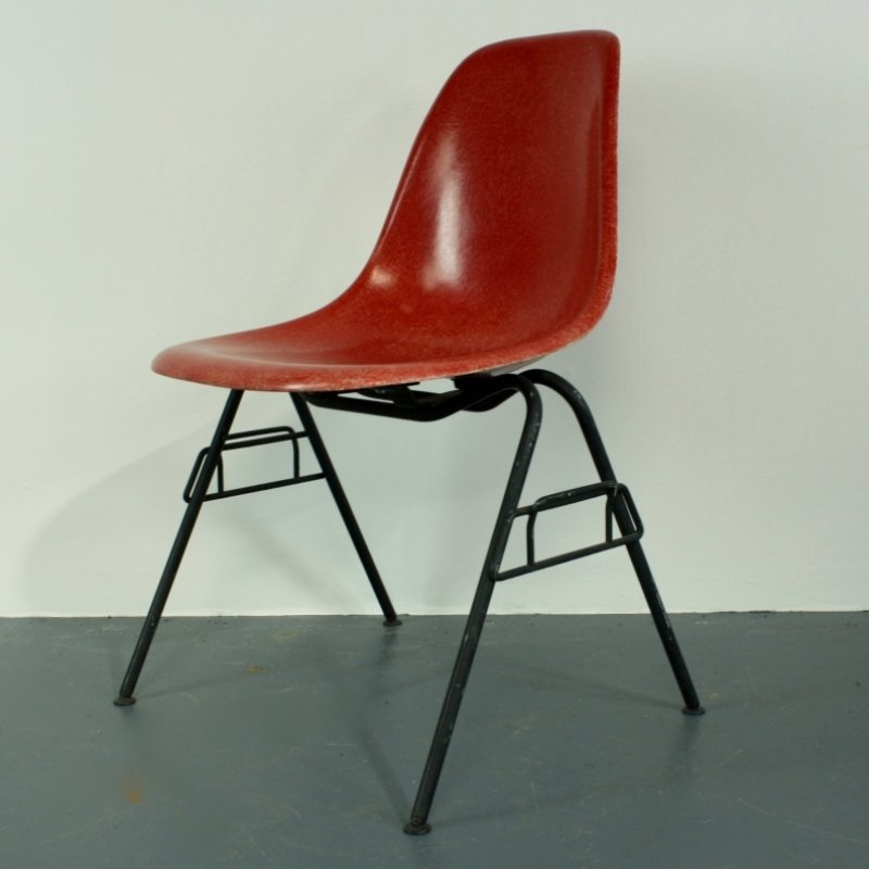 Chaise eames herman miller latest sold charles eames for - Chaise eames herman miller ...