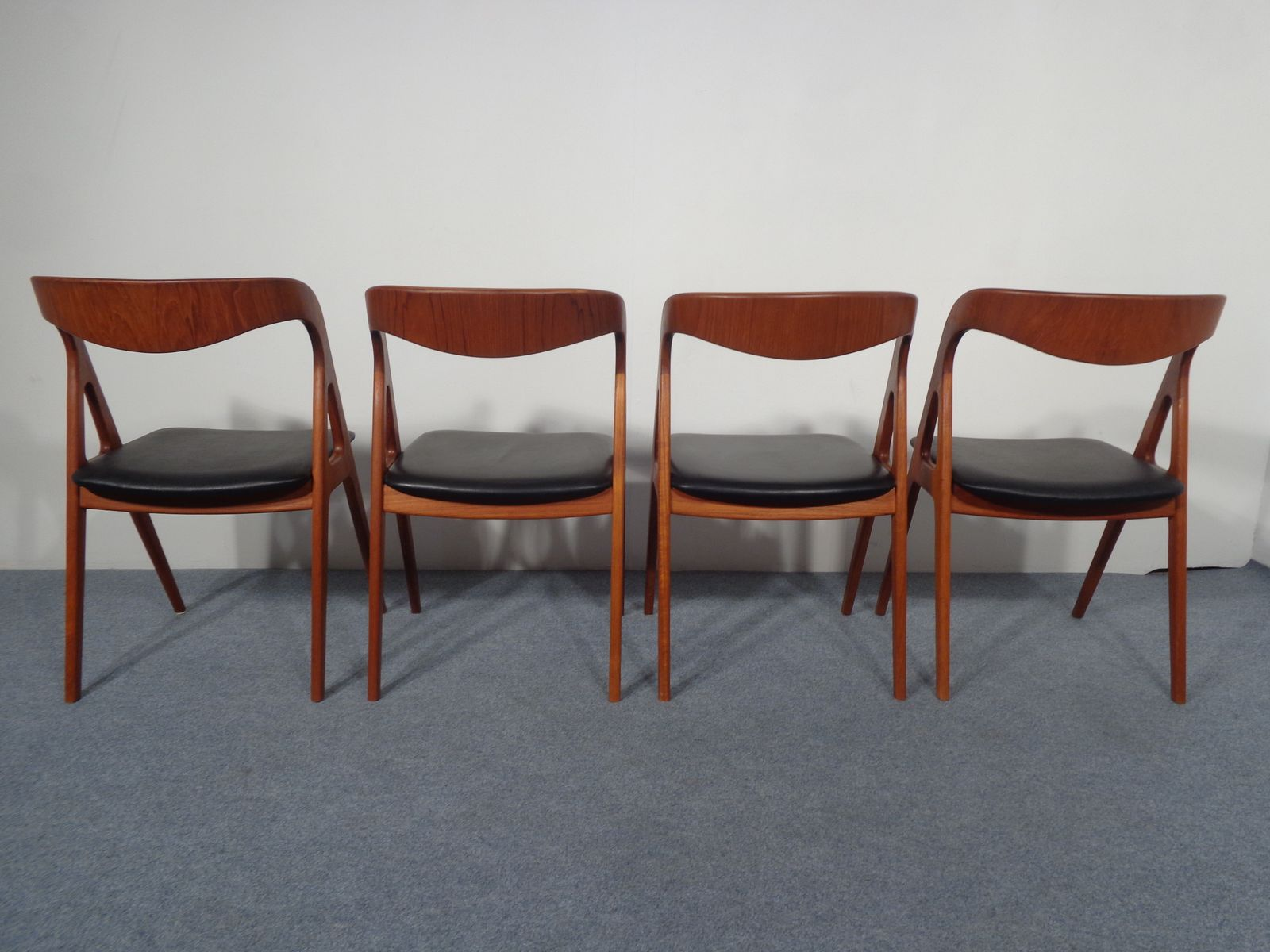 vintage teak dining chairs from vamo set of 4 for sale at pamono