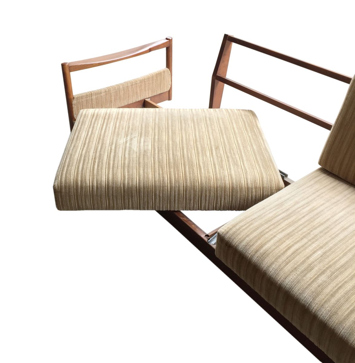 Pull-Out Teak Daybed by Florence Knoll Bassett for Knoll Inc., 1960s - Pull-Out Teak Daybed By Florence Knoll Bassett For Knoll Inc