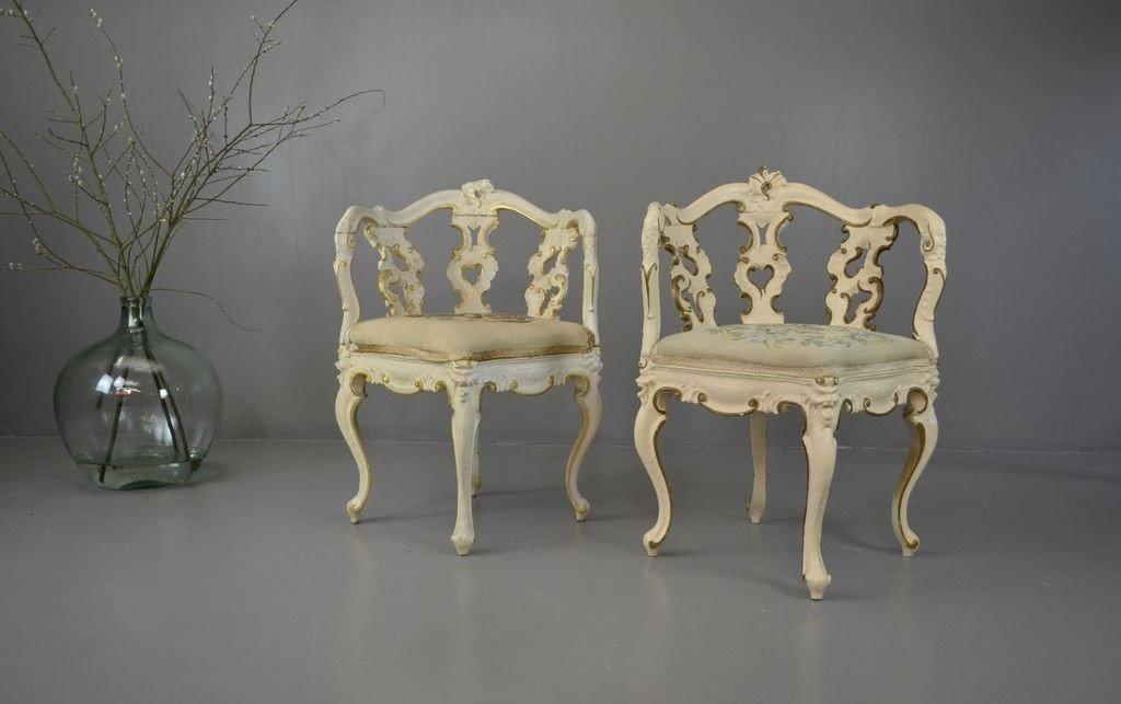 Antike verzierte eckst hle im rokoko stil in wei gold 2er set bei pamono kaufen - Design im rokoko stil prachtvollste kunstepochen ...