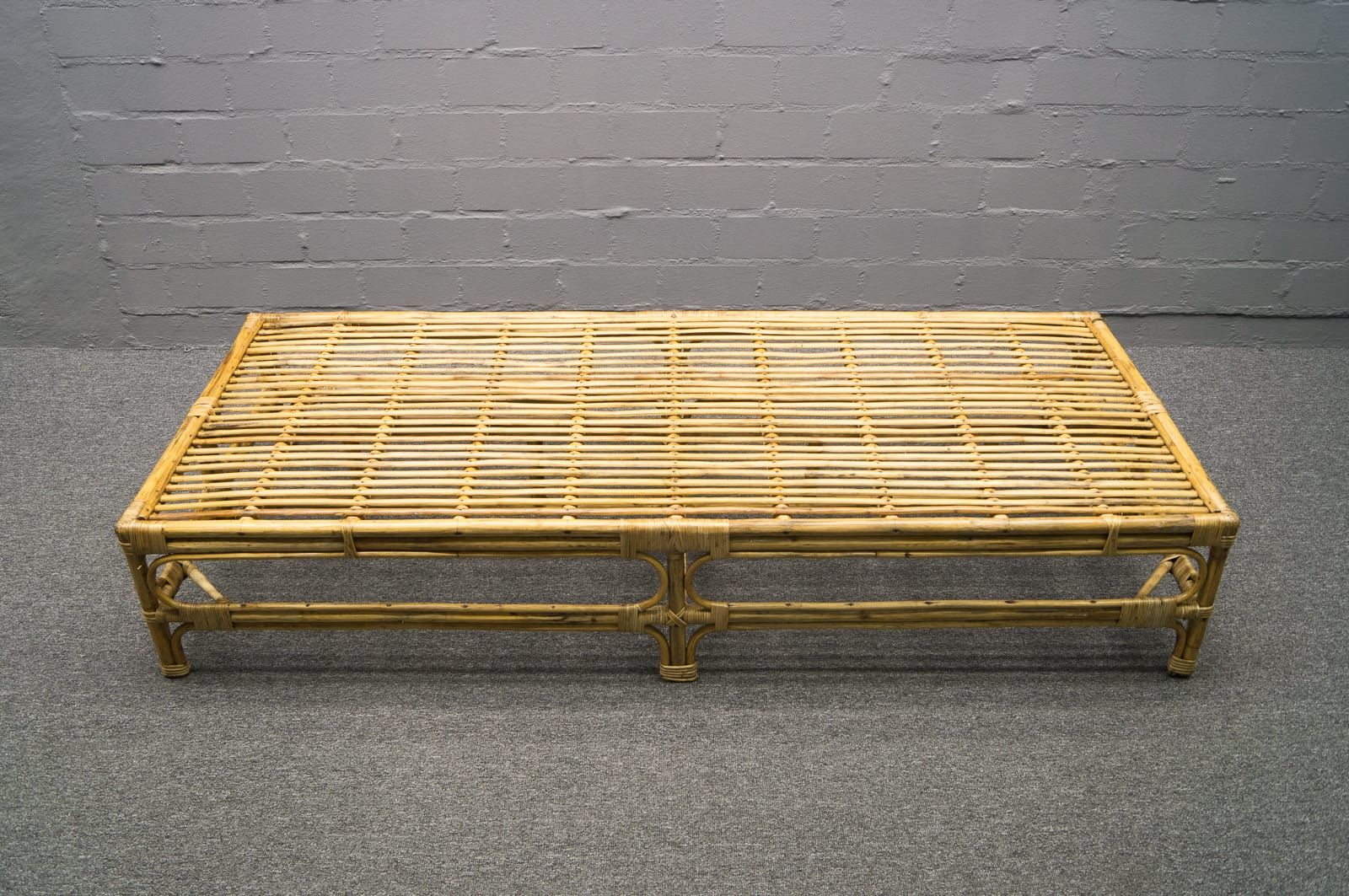 italian rattan bamboo daybed 1950s for sale at pamono. Black Bedroom Furniture Sets. Home Design Ideas