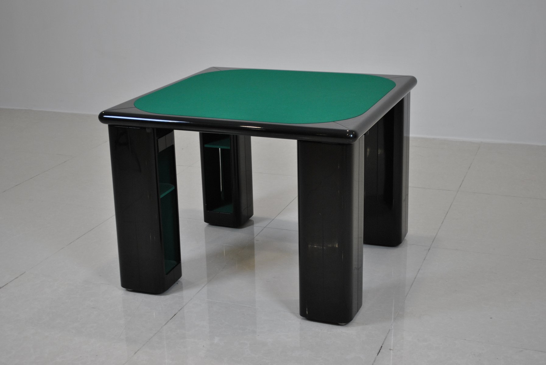 Lacquered Games Table By Pierluigi Molinari For Pozzi Milano, 1970s