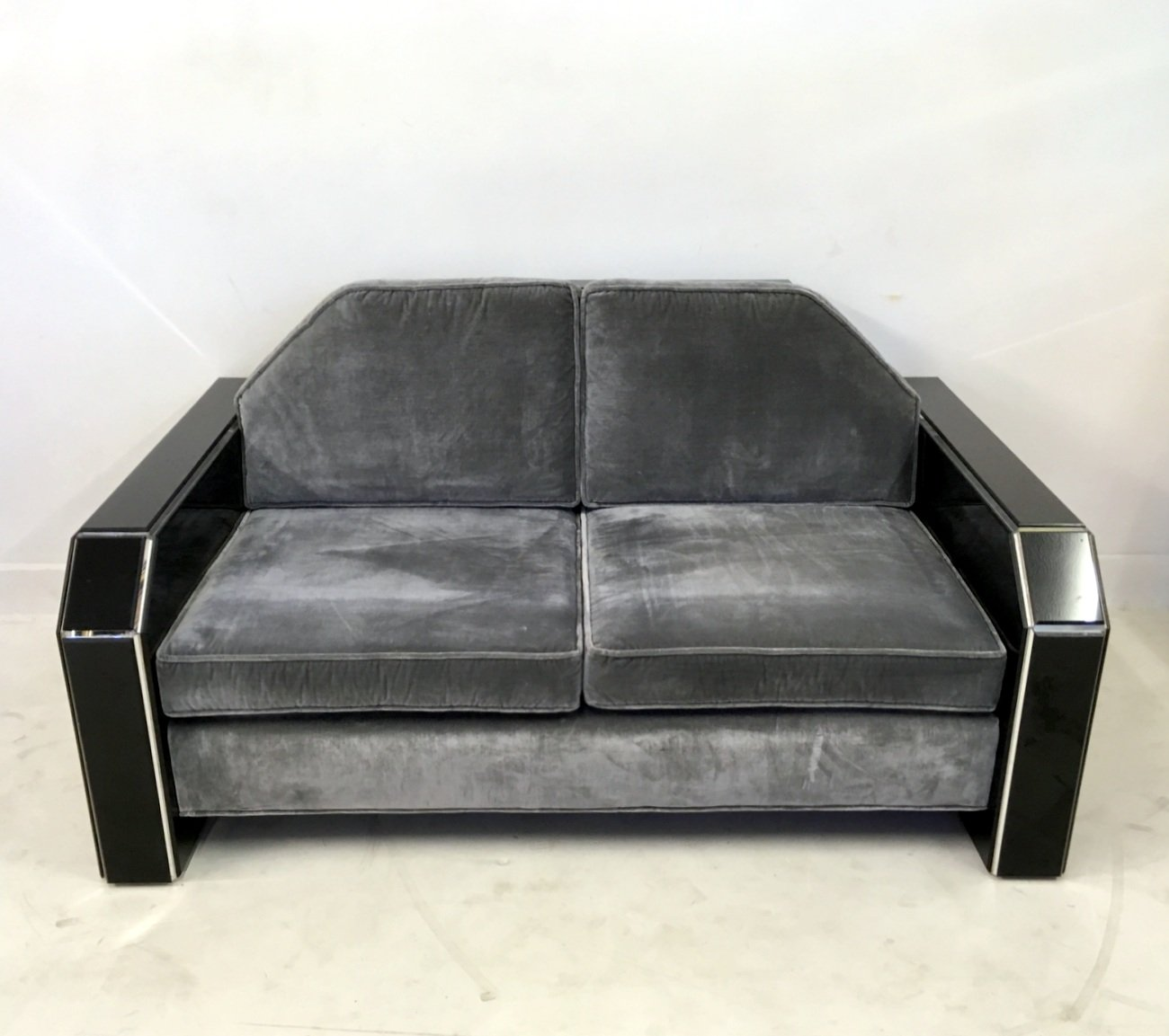 vintage american lucite velvet sofa with coffee table. Black Bedroom Furniture Sets. Home Design Ideas