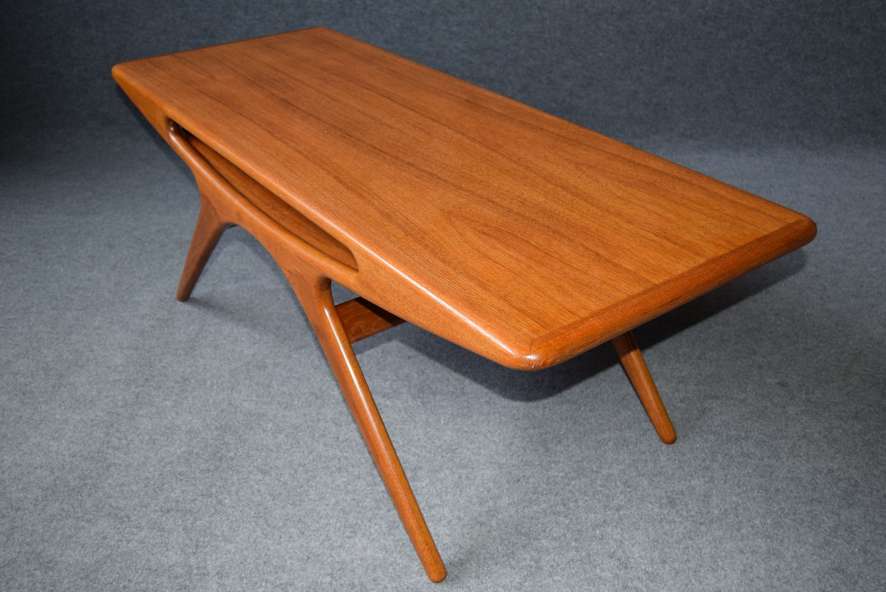 Mid Century Danish Smile Teak Coffee Table By Johannes Andersen For Cfc Silkeborg For Sale At Pamono