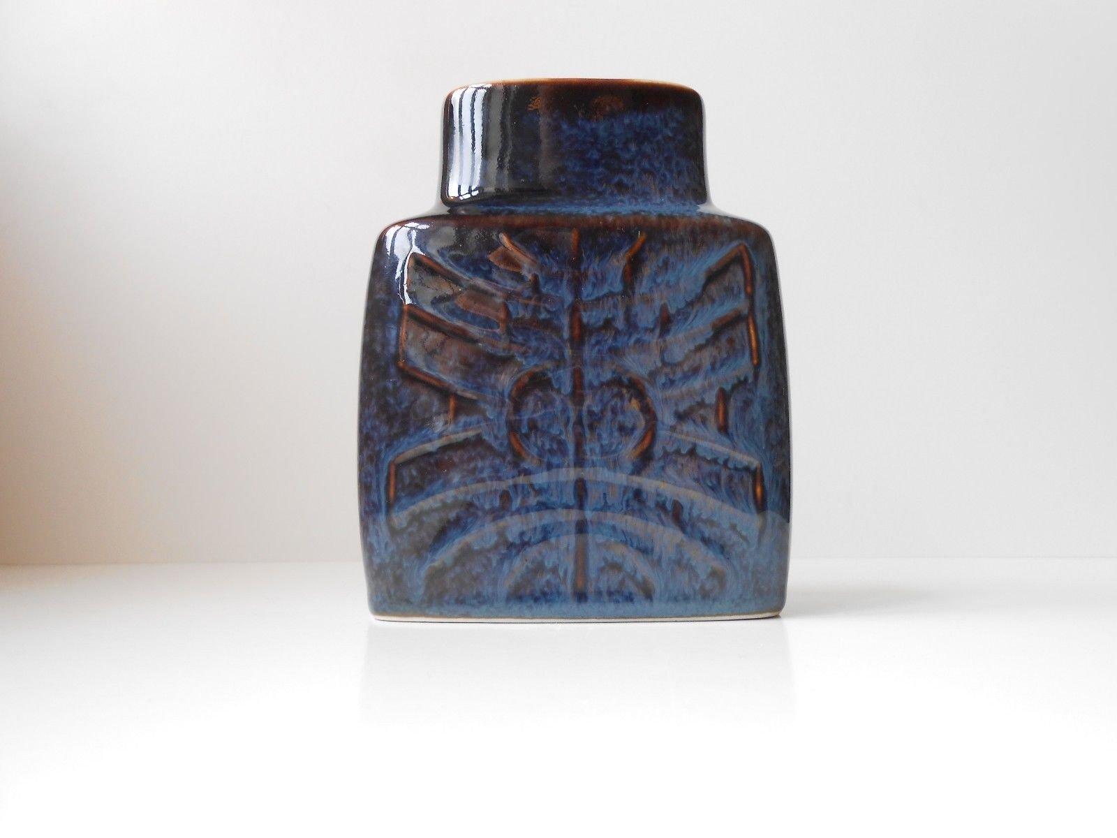 Glossy purple ceramic vase by carl harry stlhane for rrstrand glossy purple ceramic vase by carl harry stlhane for rrstrand 1960s reviewsmspy