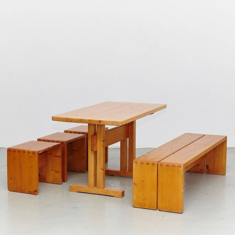 table tabourets et banc par charlotte perriand pour les arcs en vente sur pamono. Black Bedroom Furniture Sets. Home Design Ideas