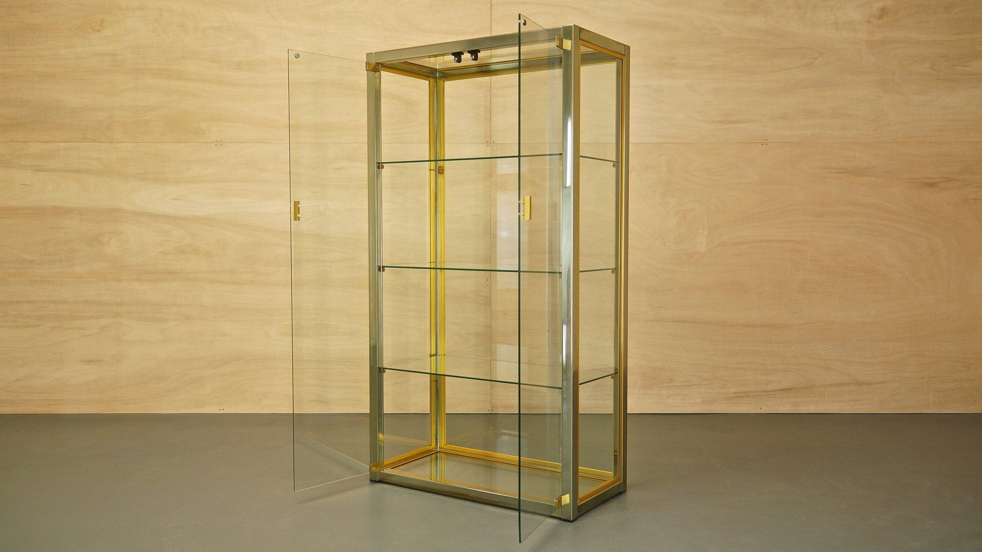 italienische vitrine aus glas messing und chrom von renato zevi f r zevi 1970er bei pamono kaufen. Black Bedroom Furniture Sets. Home Design Ideas