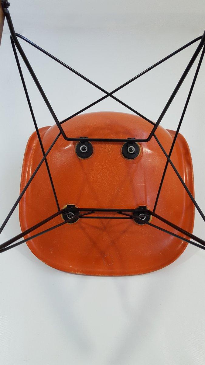 oranger glasfaser schaukelstuhl von charles ray eames f r vitra 1970er bei pamono kaufen. Black Bedroom Furniture Sets. Home Design Ideas