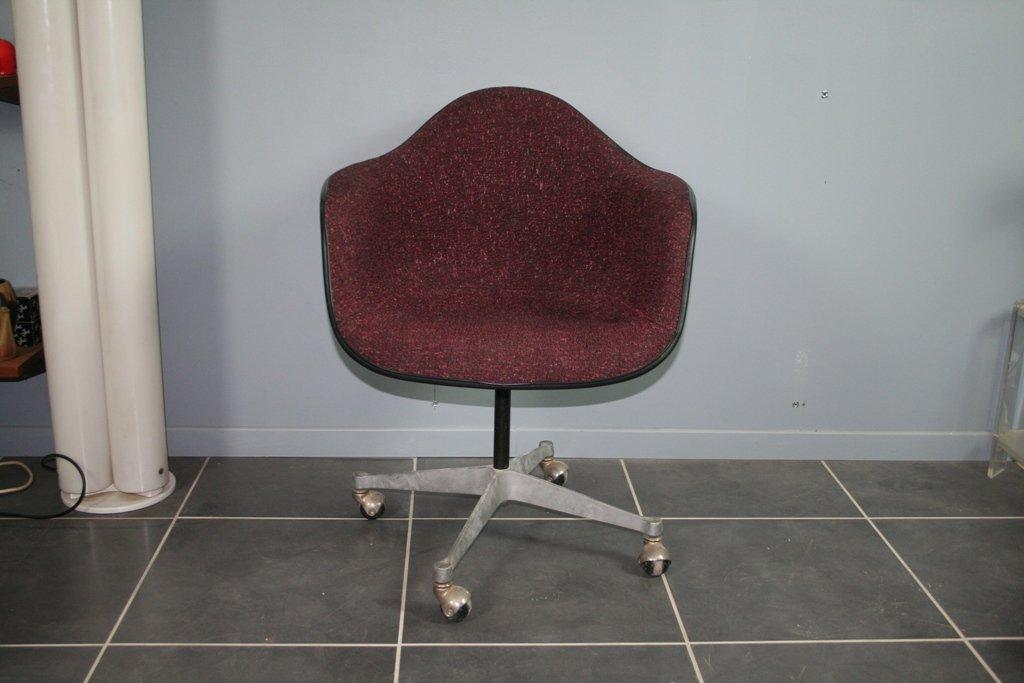 b rostuhl in bordeaux von charles ray eames f r herman miller 1960er bei pamono kaufen. Black Bedroom Furniture Sets. Home Design Ideas