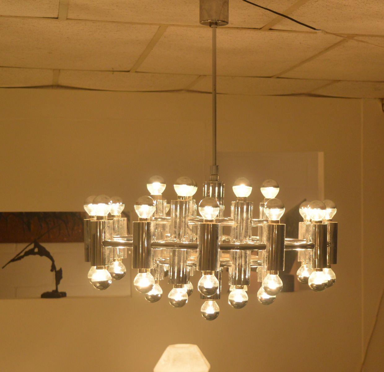 grand lustre plaqu en chrome avec 37 lumi res 1971 en vente sur pamono. Black Bedroom Furniture Sets. Home Design Ideas
