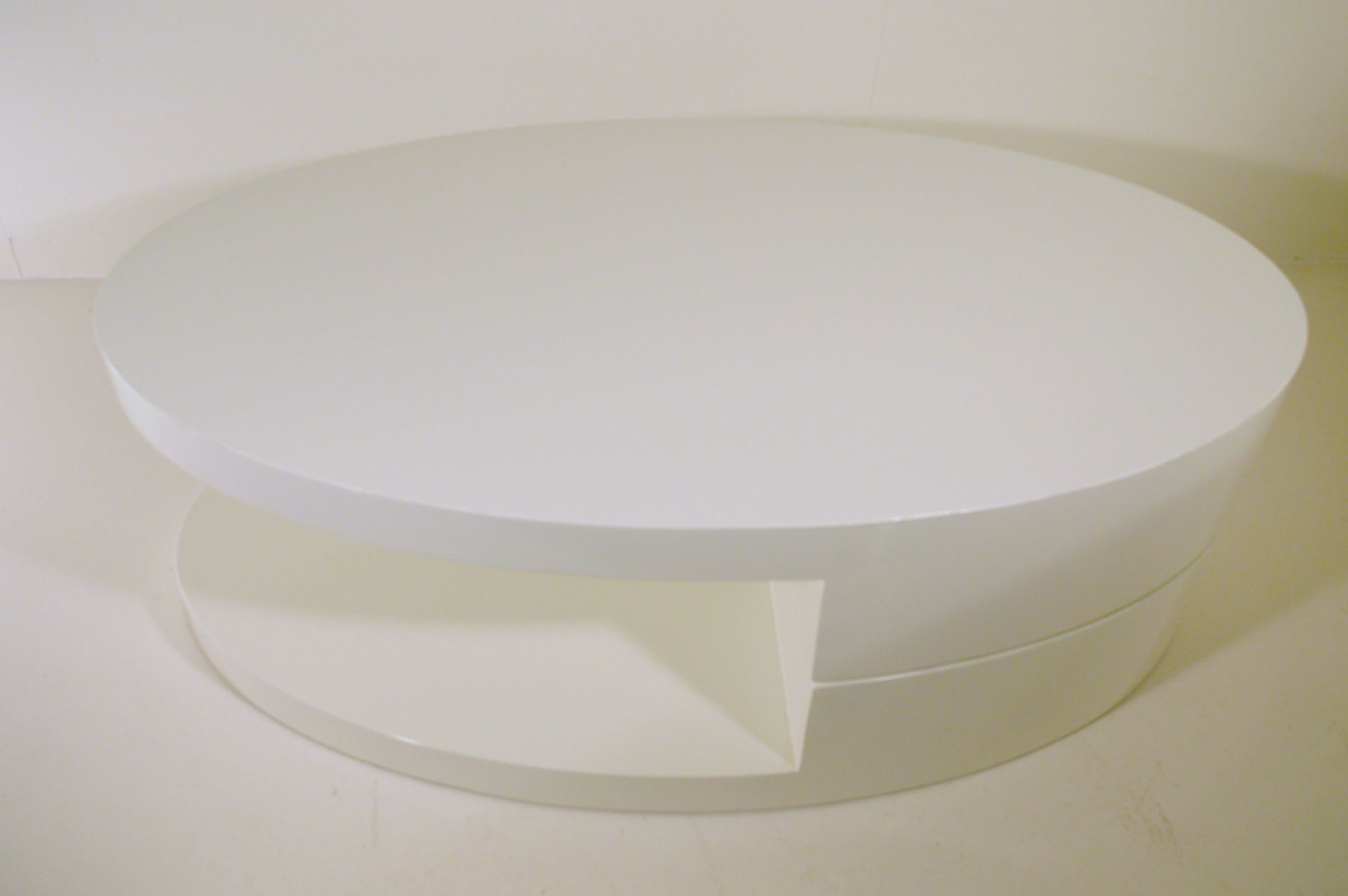 Vintage white italian rotating coffee table for sale at pamono vintage white italian rotating coffee table geotapseo Image collections
