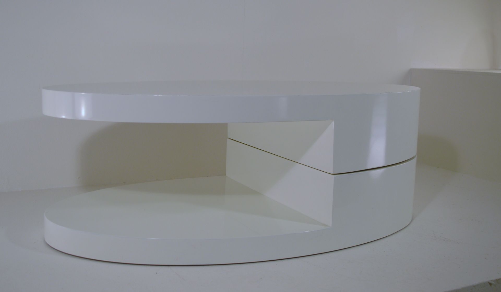 Vintage White Italian Rotating Coffee Table For Sale At Pamono