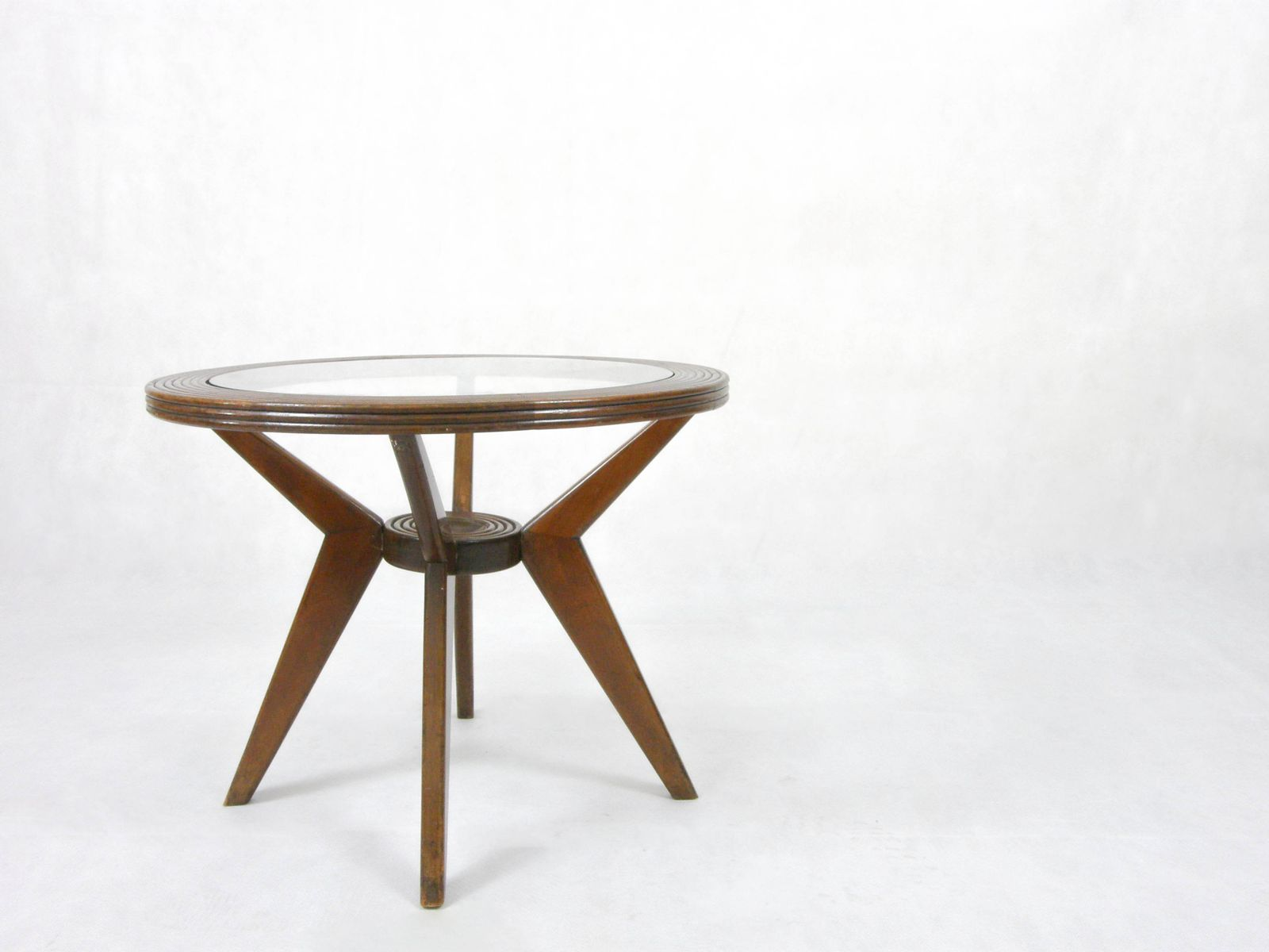 table basse ronde en bois et en verre italie 1950s en vente sur pamono. Black Bedroom Furniture Sets. Home Design Ideas