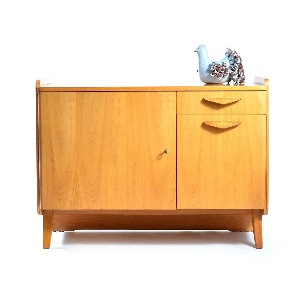 mid century kommode von tatra pravenec 1960er bei pamono kaufen. Black Bedroom Furniture Sets. Home Design Ideas