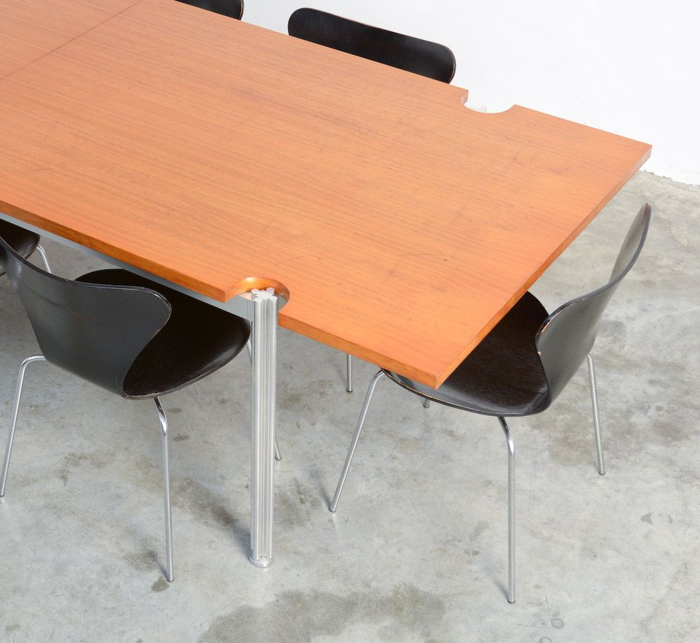 Table de salle manger par george ciancimini pour for 3 suisses table de salle a manger