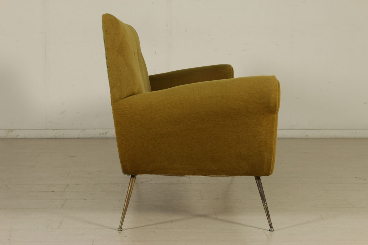 vintage sofa aus schaumstoff gewebe vermessingtem metall bei pamono kaufen. Black Bedroom Furniture Sets. Home Design Ideas