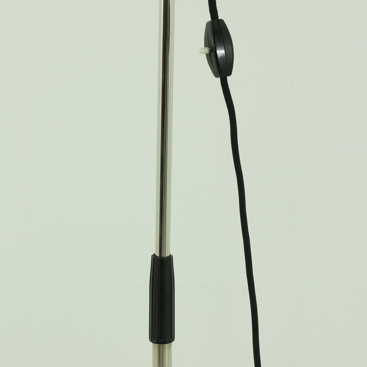 Industrial metal floor lamp 1970s for sale at pamono for 1970s floor lamps