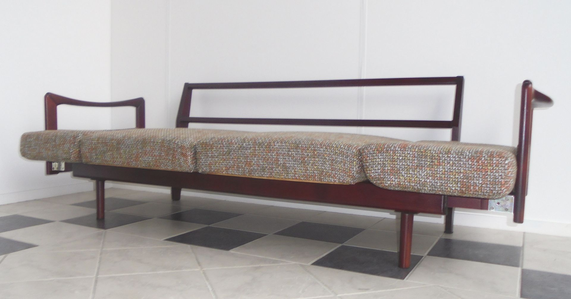 vintage stella sofa by walter knoll for sale at pamono. Black Bedroom Furniture Sets. Home Design Ideas