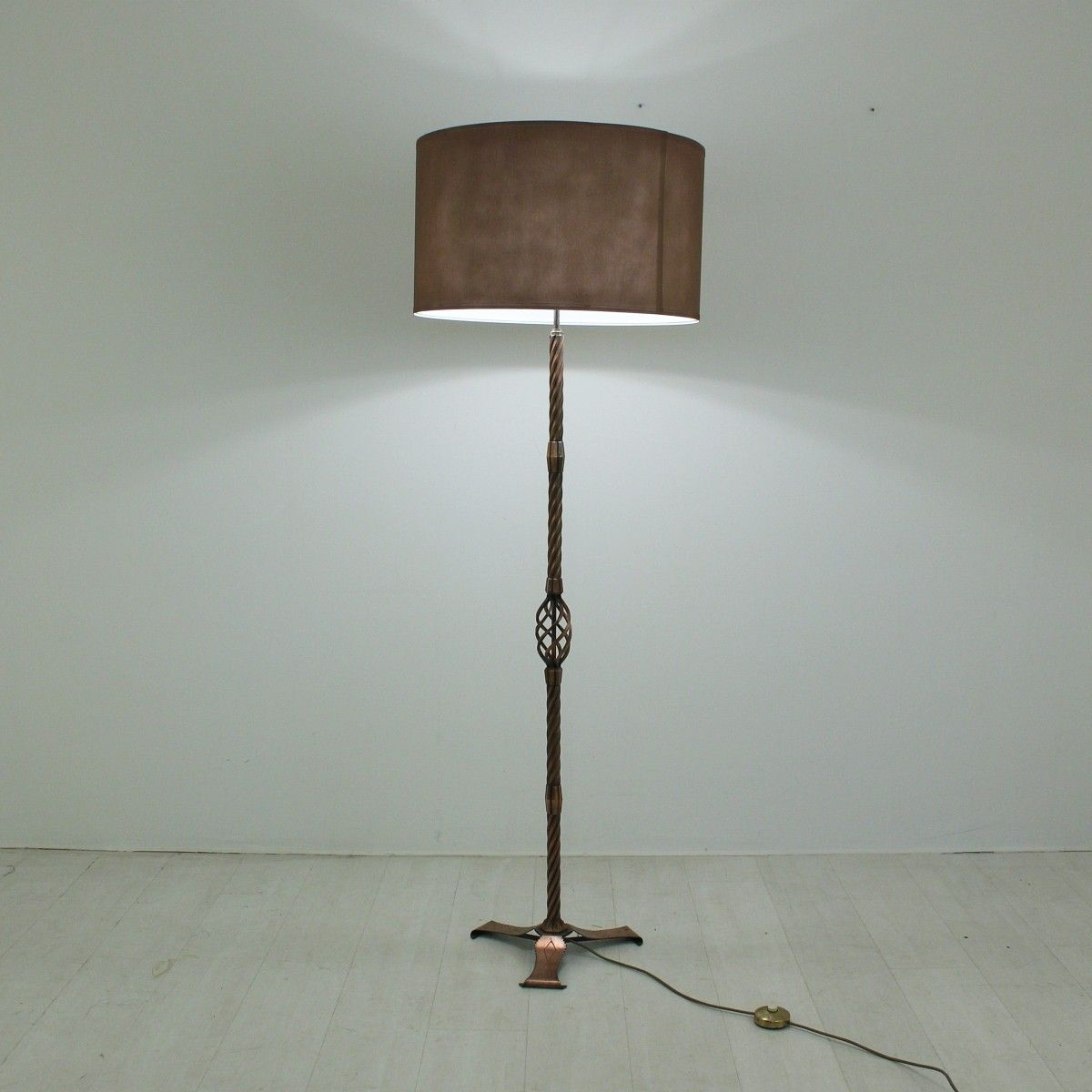 Copper Floor Lamp, 1930s for sale at Pamono
