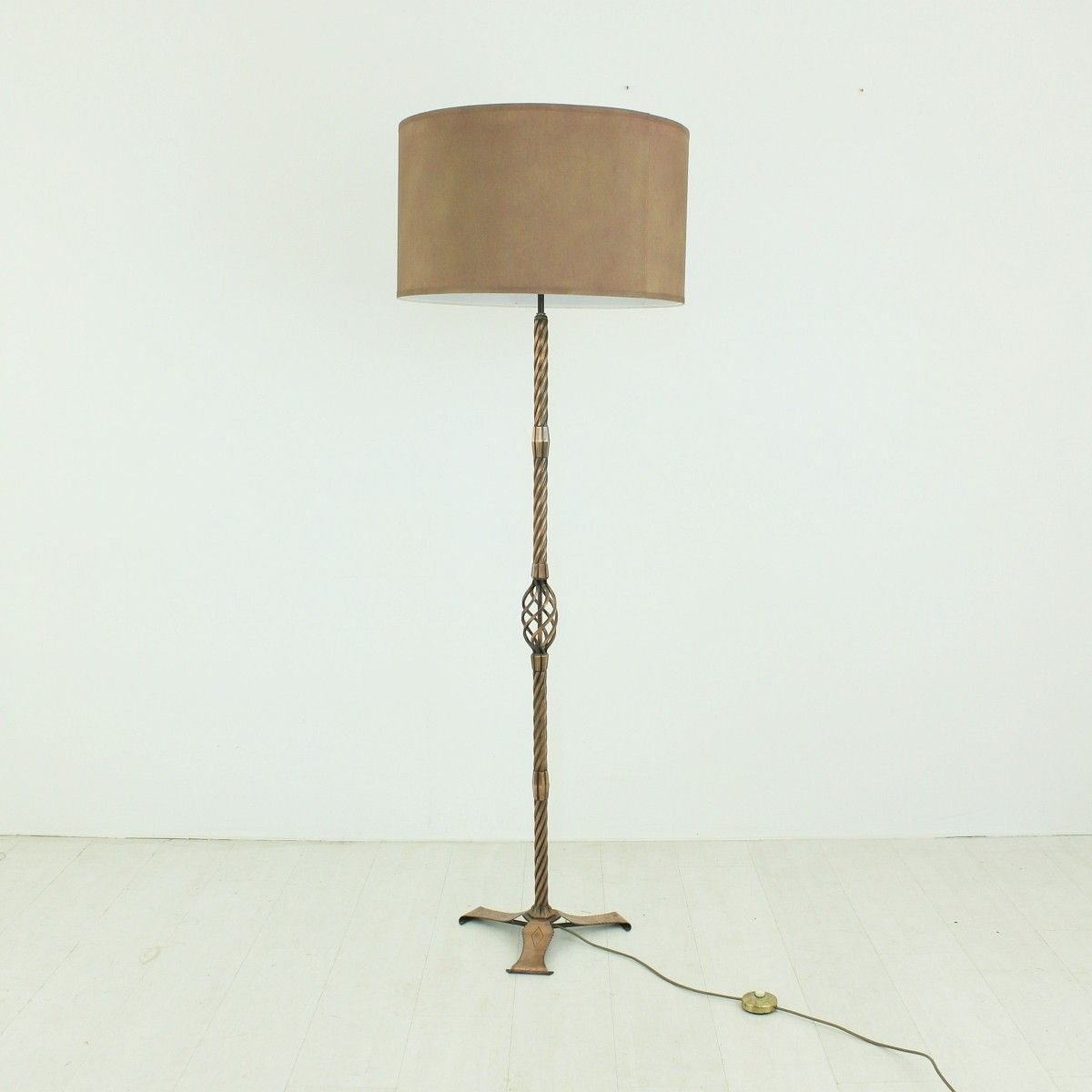 Copper floor lamp 1930s for sale at pamono for 1930s floor lamp