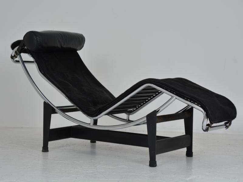 lc4 chaise lounge by le corbusier pierre jeanneret charlotte perriand for cassina for sale. Black Bedroom Furniture Sets. Home Design Ideas