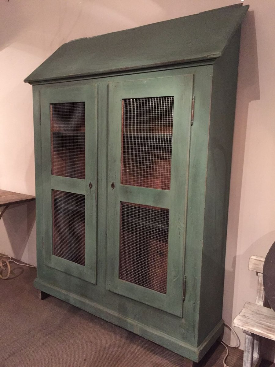 Vintage french painted wooden armoire for sale at pamono for Kijiji repentigny meuble