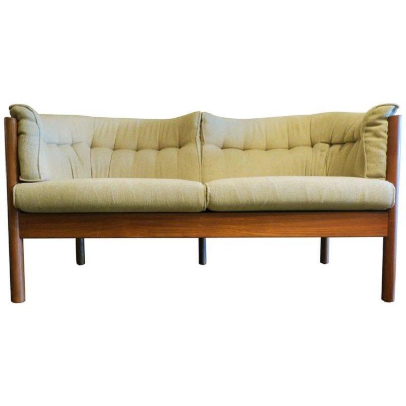 d nisches teak sofa mit geschwungenen sitzen 1960er bei pamono kaufen. Black Bedroom Furniture Sets. Home Design Ideas