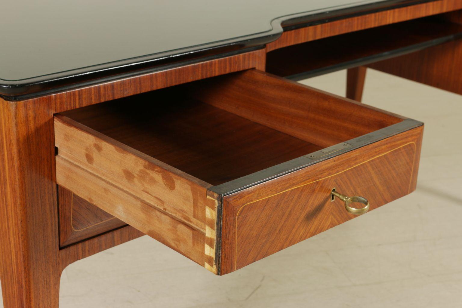 palisander furnier schreibtisch 1950er bei pamono kaufen. Black Bedroom Furniture Sets. Home Design Ideas