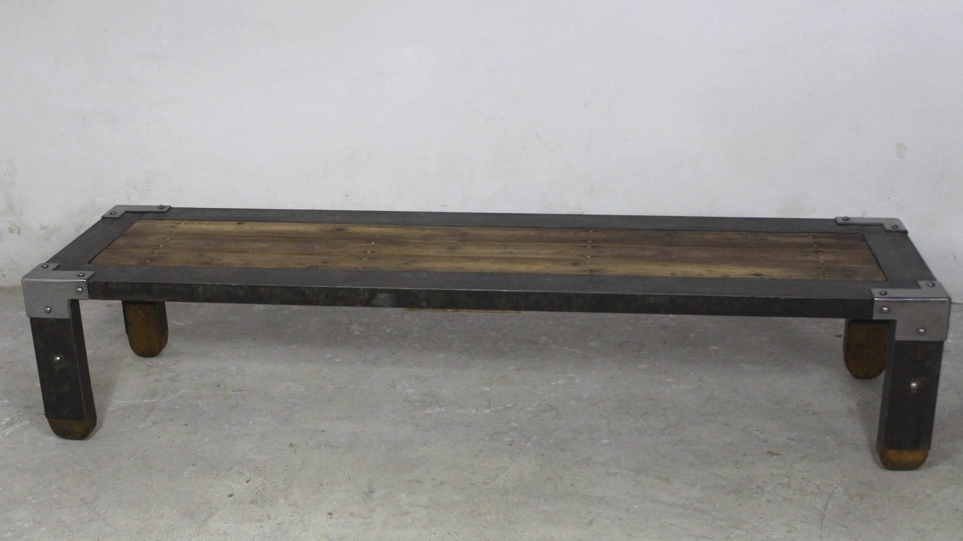 Long industrial coffee table 1950s for sale at pamono for Long coffee table