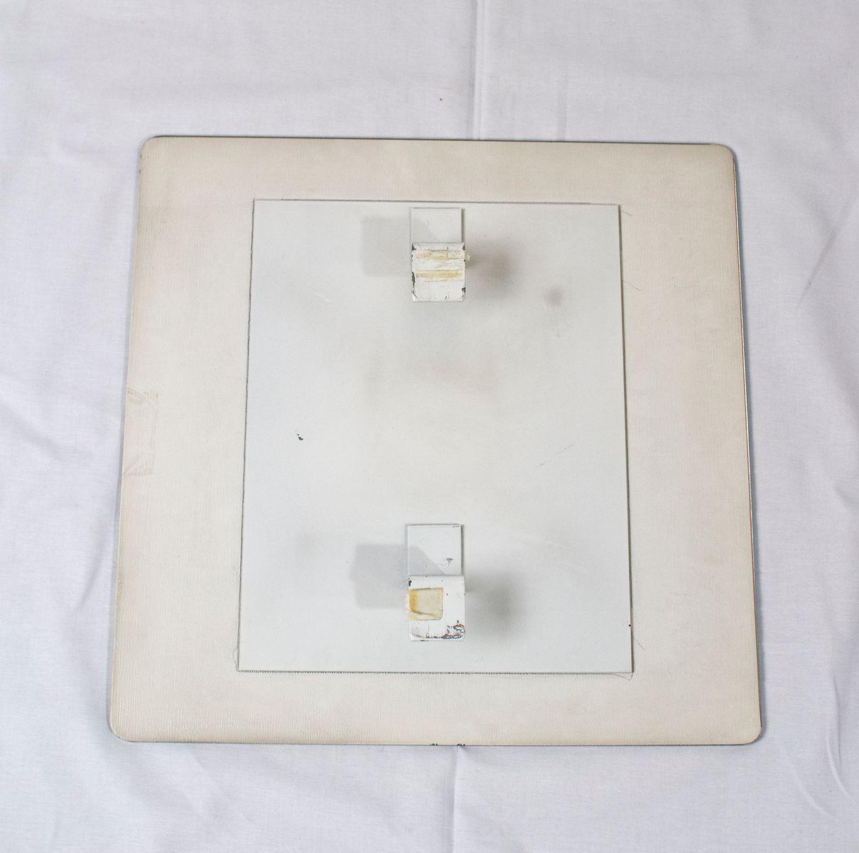 beleuchteter vintage spiegel aus chrom und rauchplexiglas. Black Bedroom Furniture Sets. Home Design Ideas